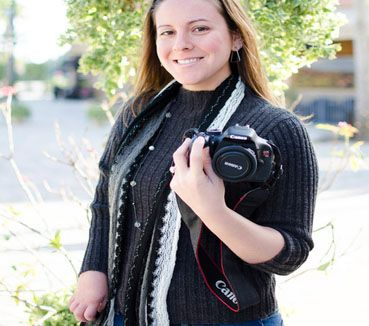 Disabled Photographer Petitioning Canon to Make a DSLR for Left-Handed People.Link to her petition included in article.