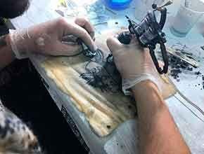 Curso Tatuador: Trabajo tatuaje en piel de cerdo