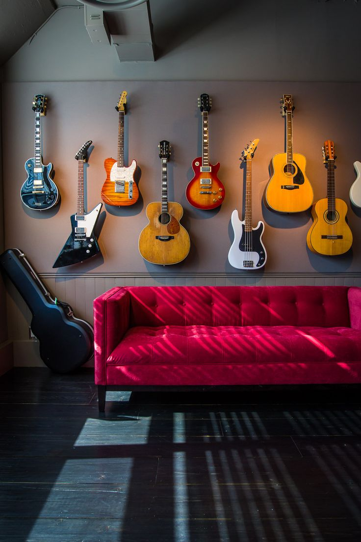 25 best ideas about guitar storage on pinterest guitar for Guitar bedroom designs