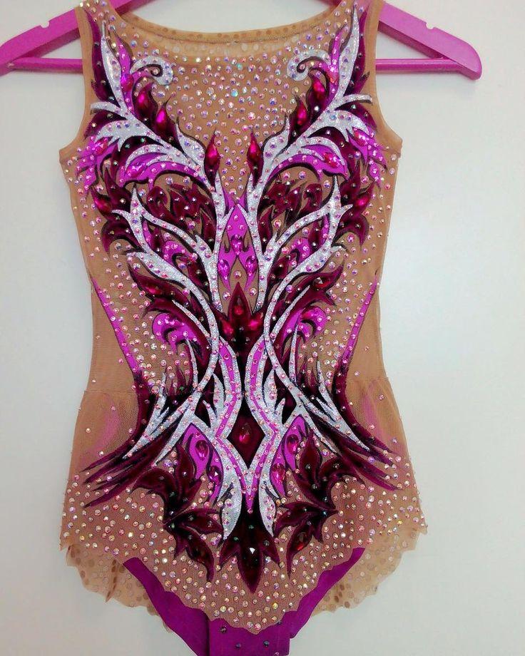 30 отметок «Нравится», 2 комментариев — Студия Костюма (@gimnastika_msk) в Instagram: «Еще вам красоты в ленту, друзья#красота #купальник #купальникназаказ #костюм #костюмназаказ…»