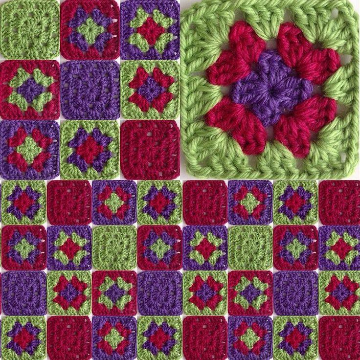 Permutaciones de 3 colores #violeta #granate #verde #ganchillo #yocreo #hechoamano #ganchet #jocreo #fetama #granny #grannysquare #crochet #crochetblanket #handmade #lana #llana #wool #ValeriadiRoma by @cristinacrea by cristinacrea