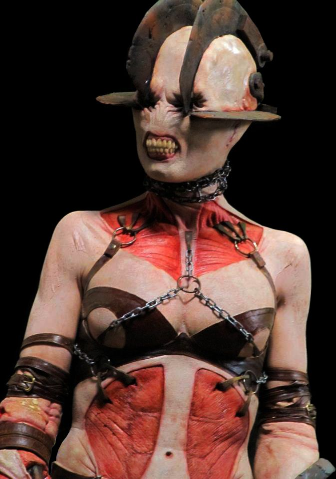 What I saw of Silent hill Revelation was bad, but... - look at the flowers, Lis.