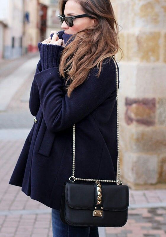 Valentino Garavani I Glam Lock Shoulder Bag
