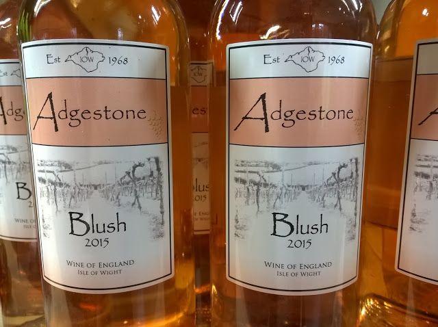 Na Inglaterra, visitei um produtor, chamado Adgestone. Confira no blog, como foi:  http://www.sobrevinhoseafins.com.br/2016/06/adgestone-vinhos-na-ilha-de-wight.html
