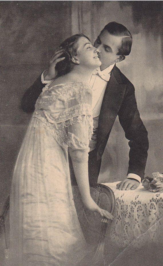 Antique Edwardian postcard, Romantic couple