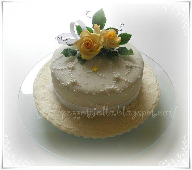 Le Torte di Pezzettiello e non solo...: Rose gialle per te