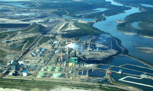 Fort McMurray, Home to 176 Square km of Tar Sands Tailings Ponds, Overwhelmed by Floods