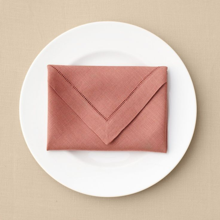 Napkin Folding Ideas For Weddings: Just Like Its Paper Counterpart, This Super-simple Design