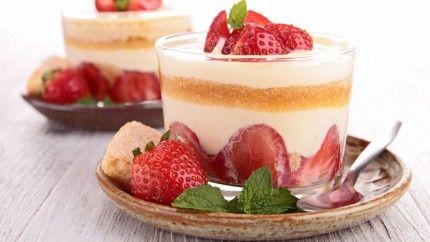 طريقة عمل كاسات تيراميسو الفراولة - Strawberry #tiramissu #recipe in #cups