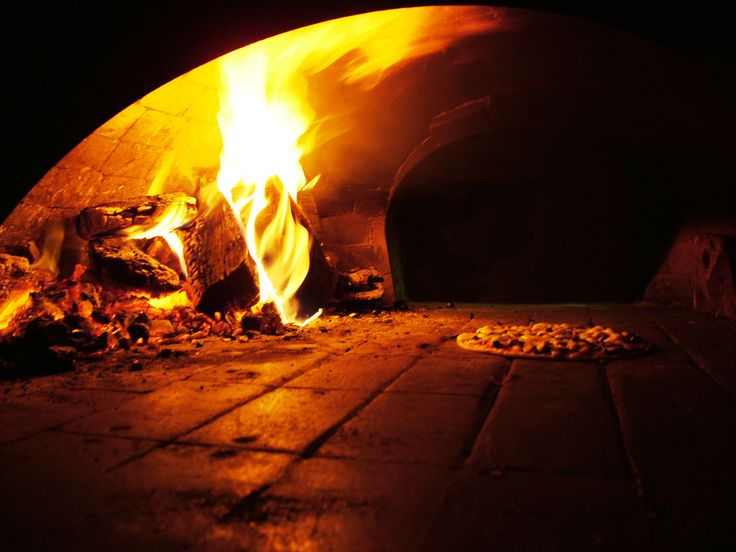 Can you just smell it? Taste it? Pizza from a real wood burning pizza oven is like no other! http://www.splendidpizza.co.uk