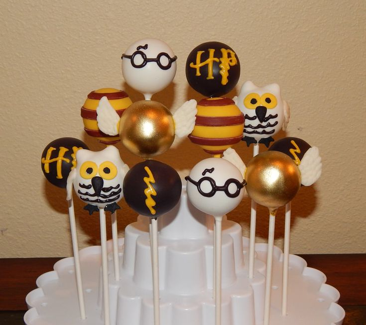 Harry Potter Cake Pops Cake Pops In 2019 Cake Pops