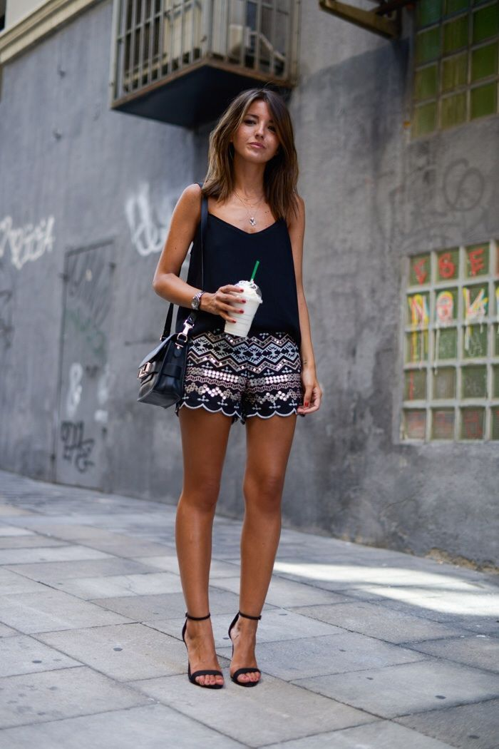 What to Wear with Printed Shorts waysify