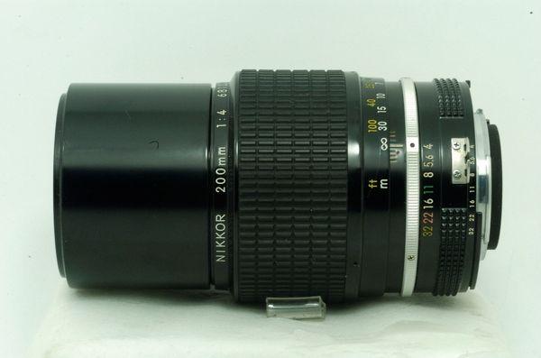 Lensa Manual Nikkon Nikkor 200 mm f/ 4,.,.Tajem Bingits!!