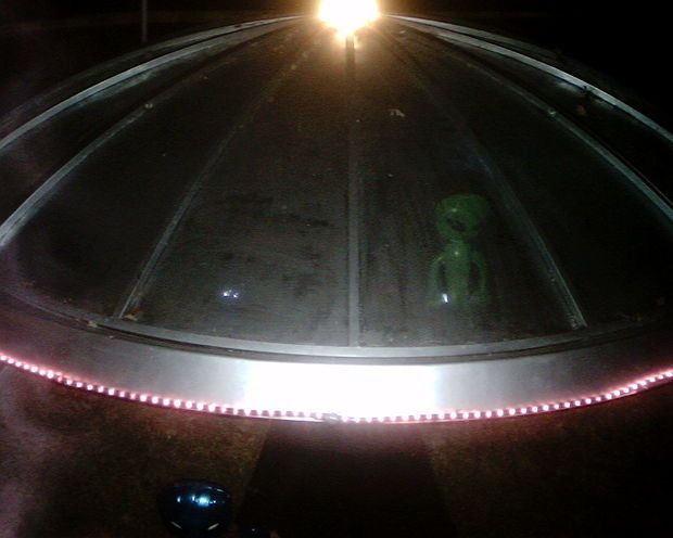 Picture of A Flying Saucer Has Landed In My Yard ...