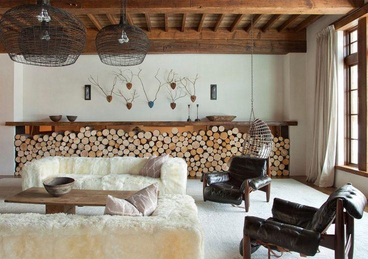 kaminholz im wohnzimmer lagern - gestappeltes brennholz im, Wohnzimmer