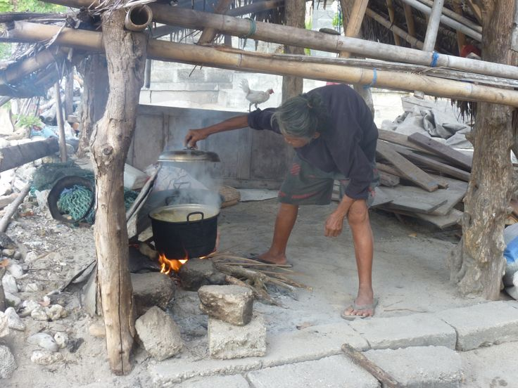 memasak ketan (kleefrijst koken)