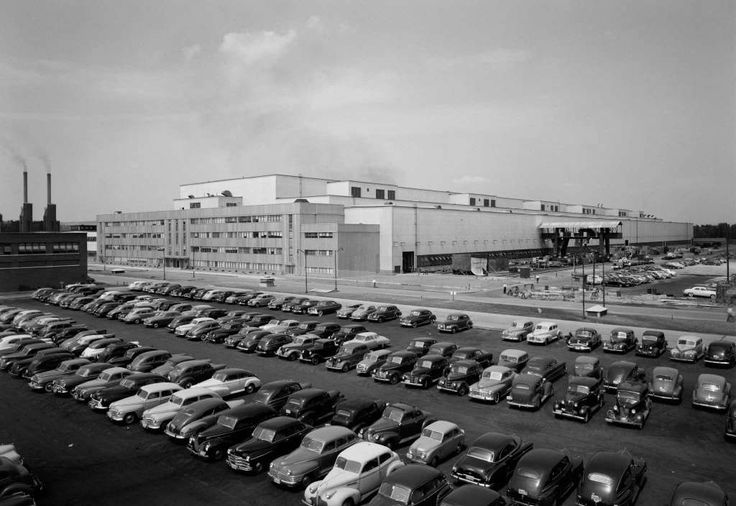 General Electric turbine plant on Aug. 4, 1949, Schenectady, N.Y. (Library of Congress) Photo: Library Of Congress