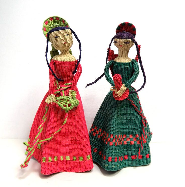 Christmas Angel Folk Art Dolls Vintage Mexican Basket Woven Palm Or Straw Figures Set Curio Cabinetsmexican