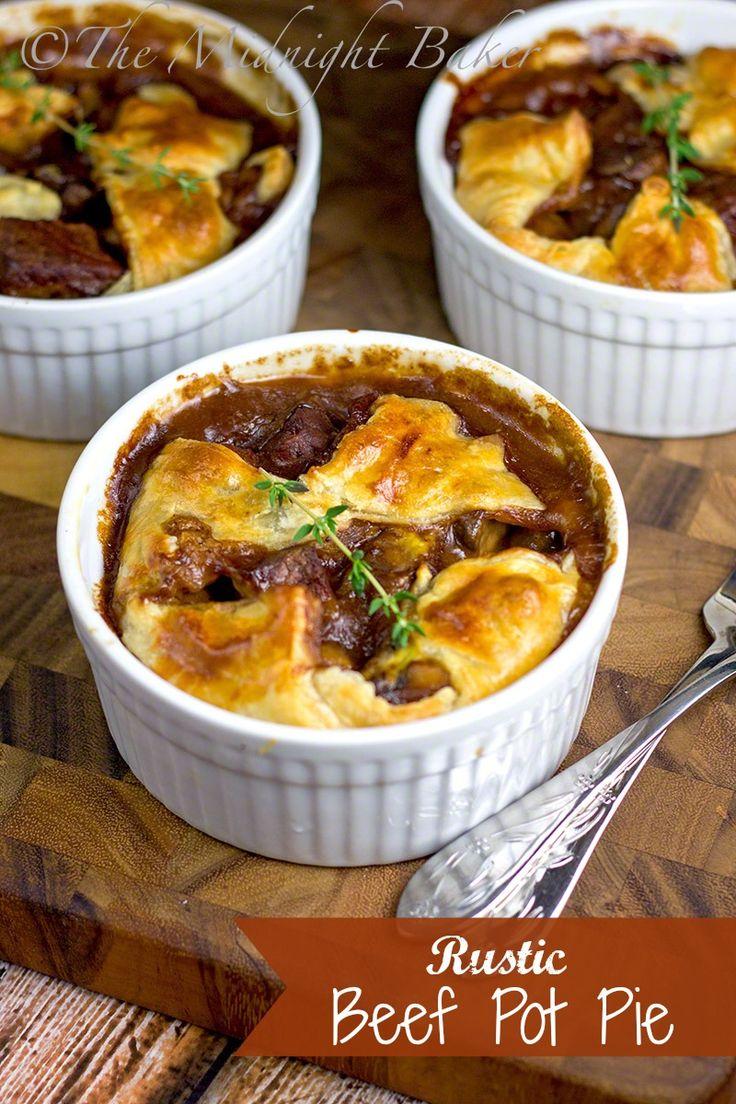 Rustic Beef Pot Pie | bakeatmidnite.com | #beef #potpies #leftoverbeef