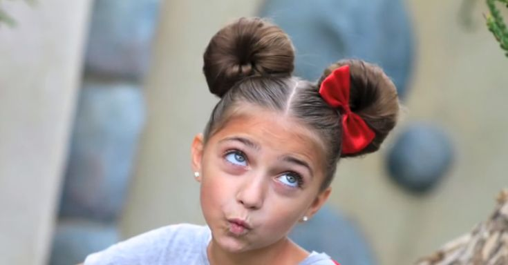 Minnie Mouse Hairstyle how to.  Holy cuteness, I am growing my hair out so I can do this on Disney trips and halloween!!