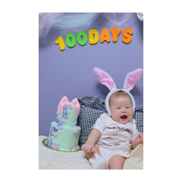 . . ♡10/5♡ . えれなちゃん100日記念でした(o^^o)! . パソコンにやっとデータ移せた✨ . . #赤ちゃん #baby #ベビー #babygirl #生後100日 #100日 #うさぎ #100days #ジェラートピケ #ジェラピケ #gelatopique #ママリ #ベビフル #親バカ部 #コドモノ