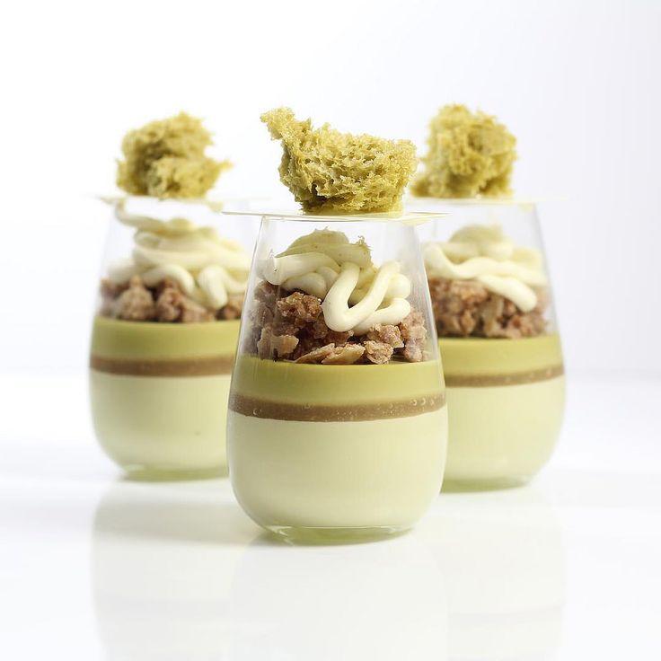 Pistachio mousse, white peach gelee, pistachio cremeux , s… | Flickr