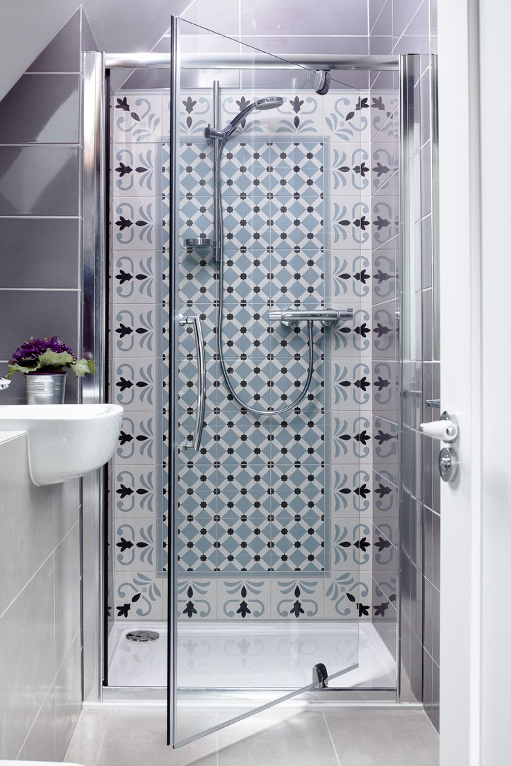Tadelakt bathroom made by amel kadic - Decorative Tiled Shower Wall With Border And Pattern Tiles By Kingston Lafferty Design Donal Murphy