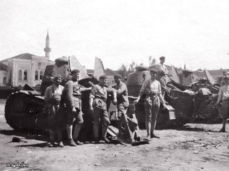 Fransız tankları talimane ve Taksim'de, 1920