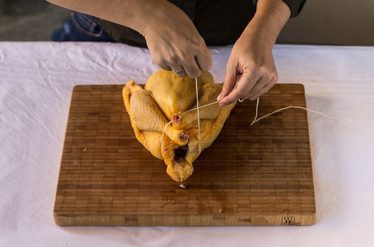 Pollo relleno asado a baja temperatura con salsa de sidra | La Cucharina Mágica