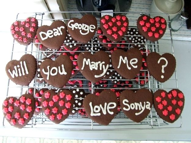 Say it with cookies. | The 14 Best Ways To Propose Marriage With Food