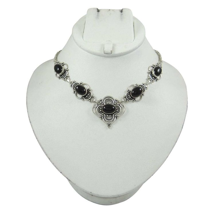 This is beautiul silvertone Metal stone necklace. It is very fashionable jewelry.  ..this is img