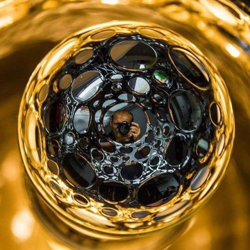 Zúčastnili jste se soutěže #LookBackAtNikon  kde hlavní výhra byl fotoaparát Nikon #D500 ? Ne? Škoda! Radek Havlena to udělal a rozhodně se mu to vyplatilo! S tímto krásným kreativním autoportrétem uspěl ve velké evropské konkurenci a vyhrál báječné třetí místo!  Sice už jsme gratulovali ale blahopřejeme k vítězství ješte jednou a hlavně děkujeme za skvělou reprezentaci České republiky! Moc nás vaše umístění potěšilo   Photo by @rhavlis  #jsemnikon via Nikon on Instagram - #photographer…