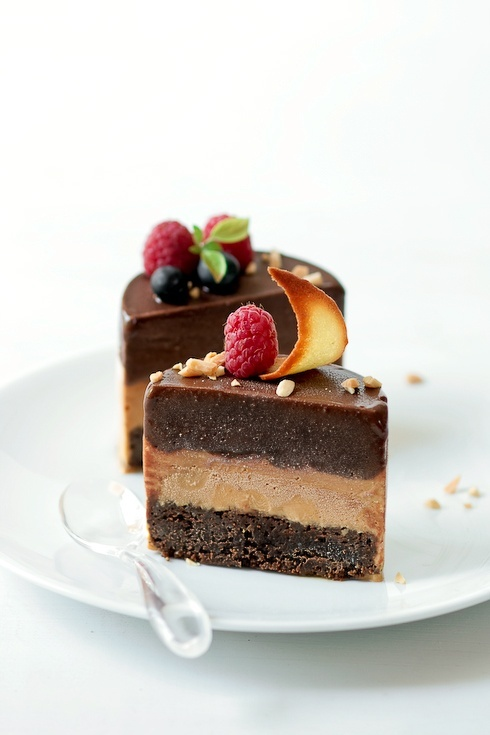 fruit and chocolate!!!! yummy yummy!: Chocolates Torte, Chocolates Sorbet, Chocolates Cakes, Desserts Desserts, Desserts Cards, Chocolates Desserts, Sweet Tooth, Caramel Ice Cream, Healthy Desserts