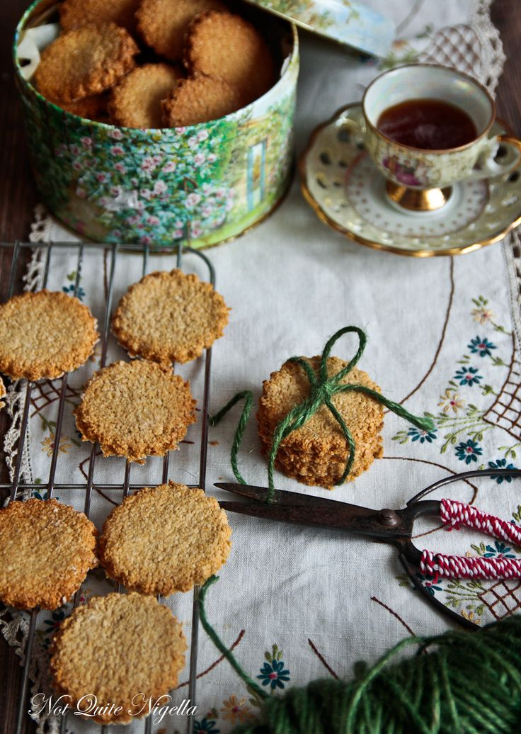 Scottish Oat cakes. I'm not sure if these are really cakes or cookies, but.......