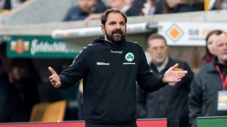 Die #SpVgg_Greuther_Fürth hat sich nach der Pleite in Dresden von Trainer Stefan Ruthenbeck (44) getrennt. Das gab der Klub bekannt. Foto:…