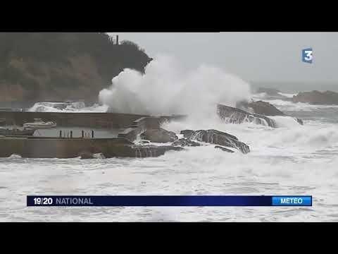 Tempête Carmen grosses vagues vents violents jusqu'à 150 km/h  ............
