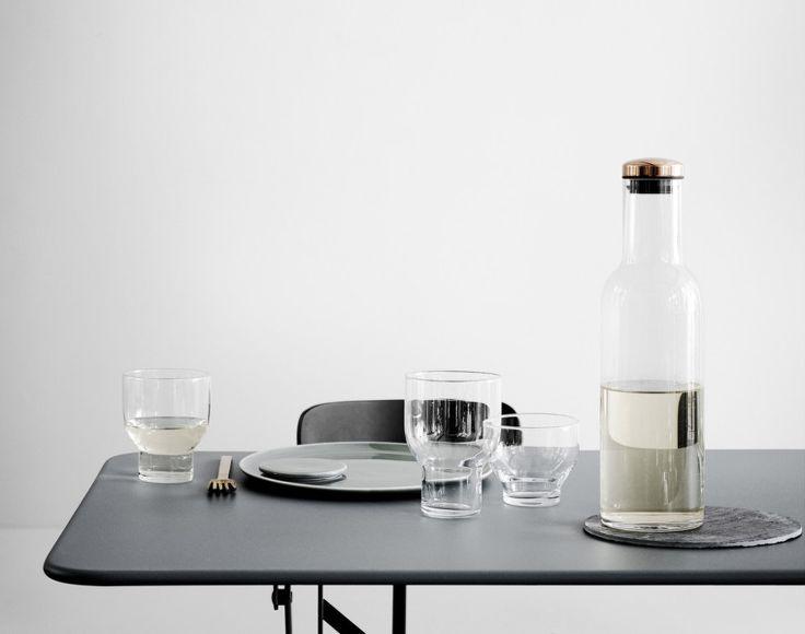 Karafa na vodu s měděným uzávěrem od Menu, 1l | DesignVille