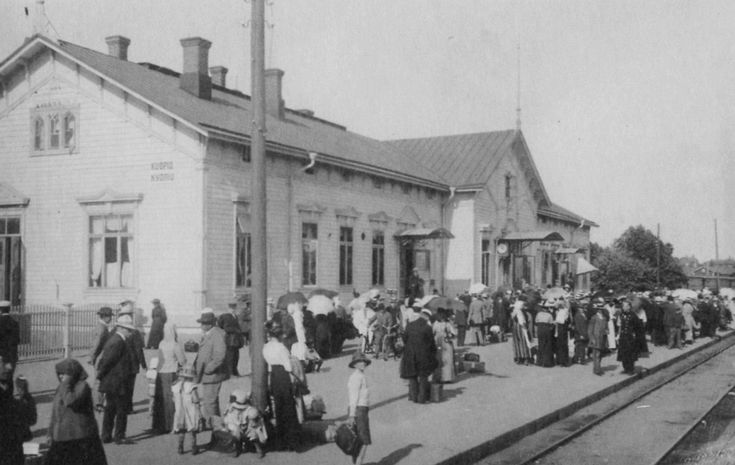 Kuopion vanha asemarakennus v. 1910 Finland
