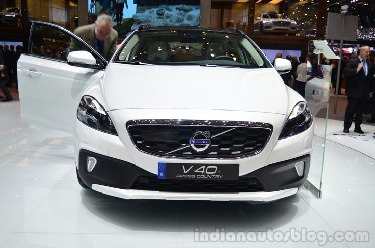 Volvo V40 Cross Country, XC60 Ocean Race Special Editions