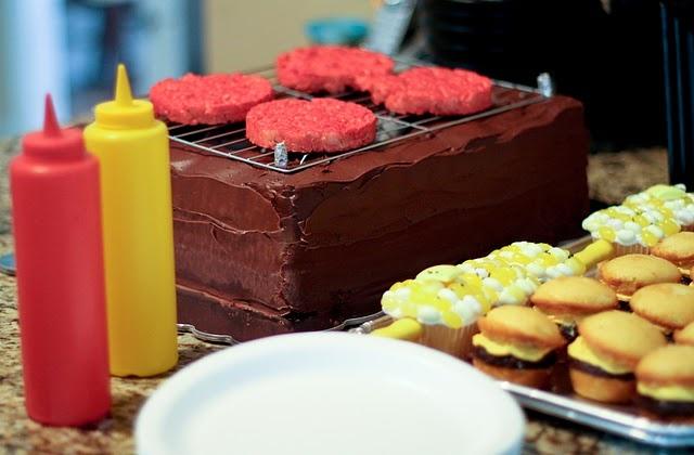 super cute grill cake