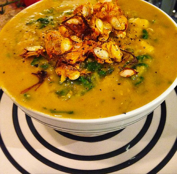 I don't like admitting it, but autumn is just around the corner. One of my favorite dishes when the dark and depressing weather kicks in, is this soup. It's made of butternut squash, bu…