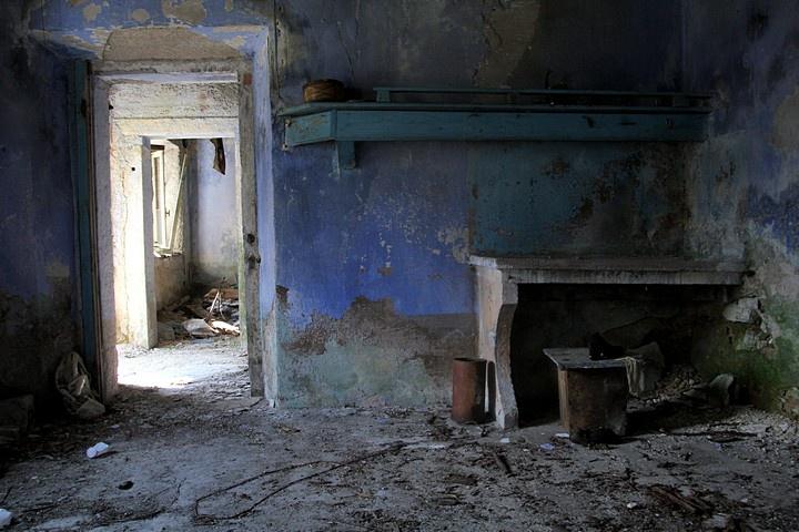 Broken lifes... a house near Vajont dam