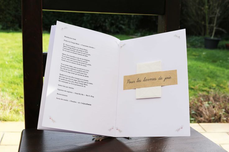6 Idées déco pour présenter et relier votre livret de messe ou de cérémonie - Mon mariage pas cher !