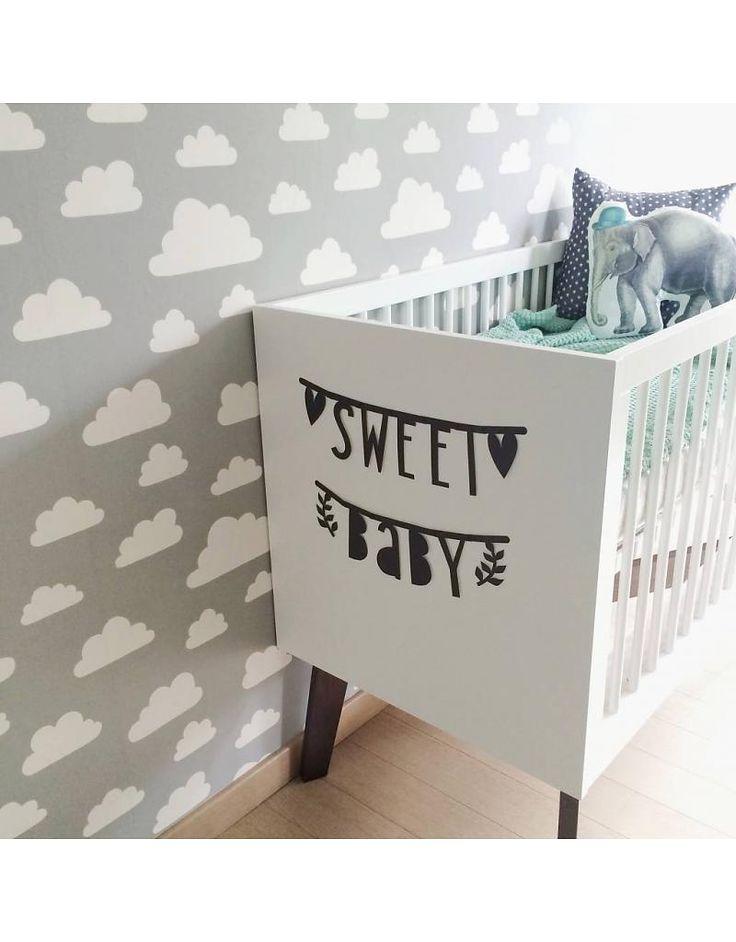 Sweet Baby - Sprüche, Wünsche und Namen mit der Buchstabenkette von A little lovely Company ganz einfach selbst texten.
