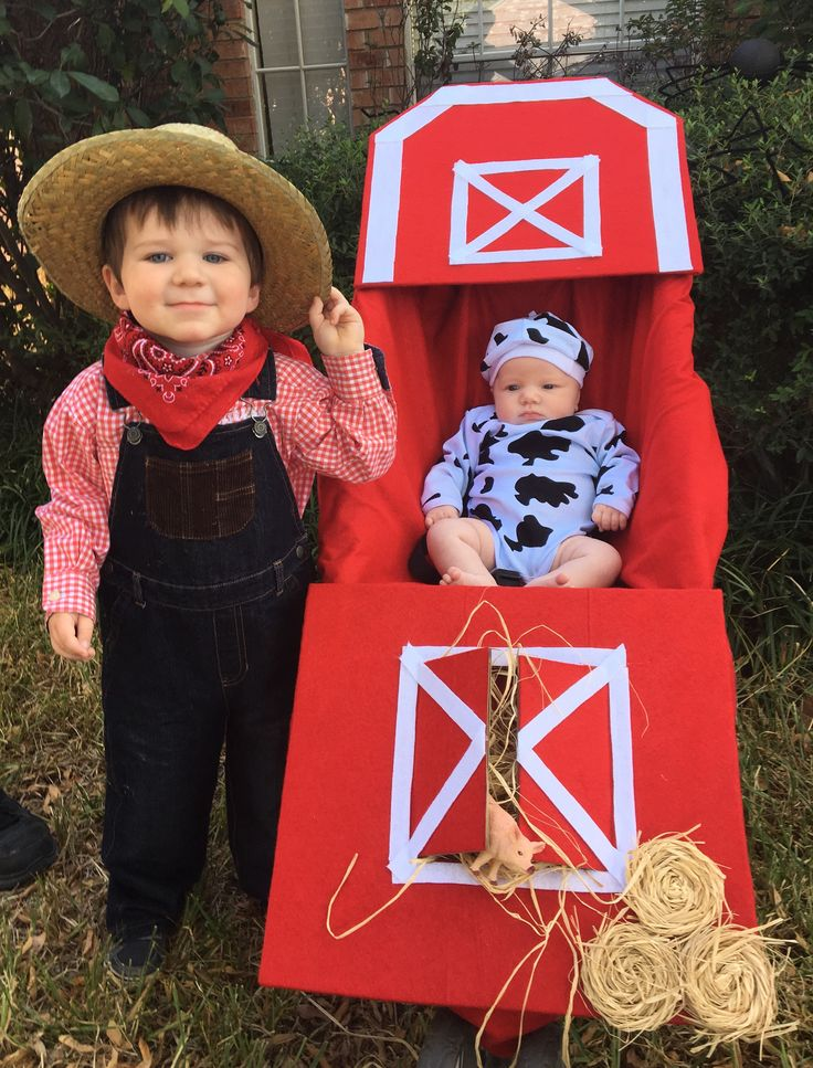 Halloween stroller costume for siblings.   Halloween, costume, baby, toddler, farmer, barn, stroller, DIY, #Halloween