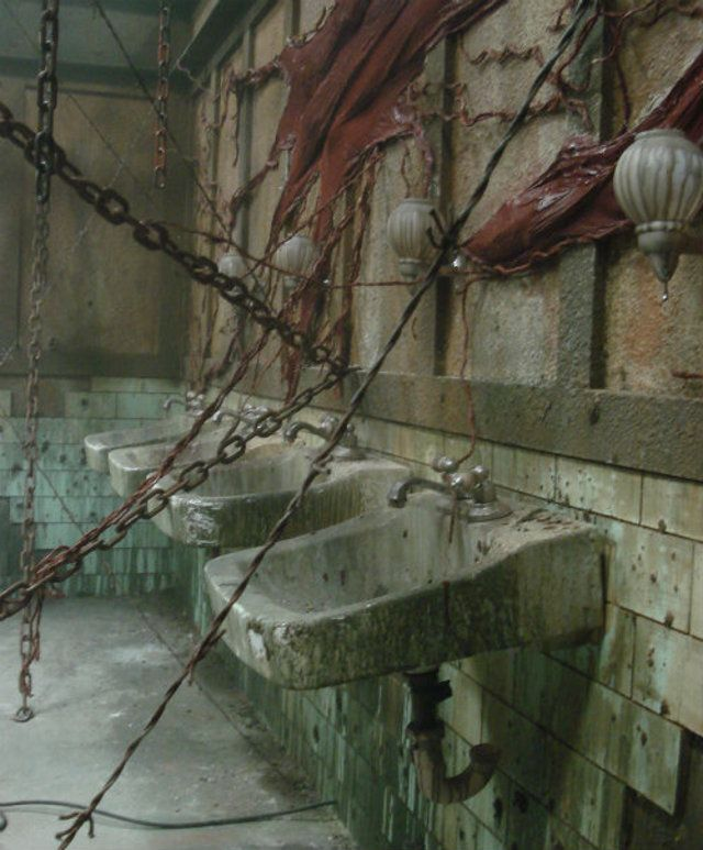 Silent Hill chains and living walls...inspiration