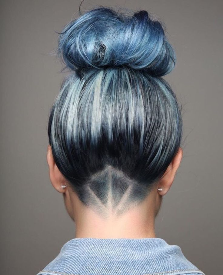 25 Thrilling Pastel Blue Hair Color Ideas — Get Ready for Winter! Check more at http://hairstylezz.com/best-pastel-blue-hair-color-ideas/