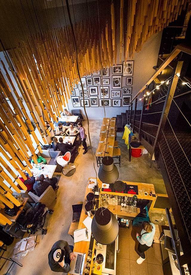 Wnętrza Bistro Ale'je robią ogromne wrażenie. Można się tu naprawdę bardzo dobrze poczuć. I zjeść. #warsaw #food