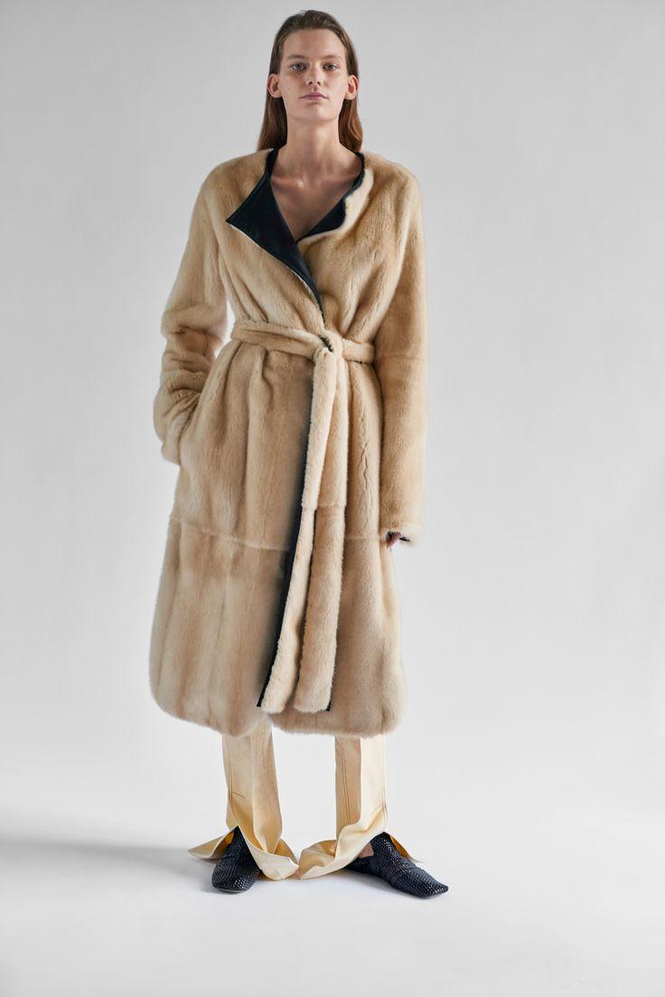 http://www.vogue.com/fashion-shows/resort-2017/celine/slideshow/collection