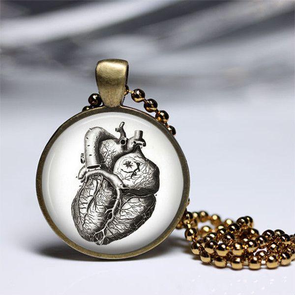 Ketten kurz - Schmuck anatomisches Herz Charm Ketten - ein Designerstück von MadamebutterflyMeagan bei DaWanda